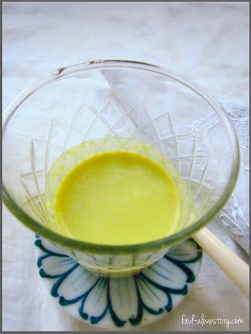 golden dreams - turmeric and almond milk