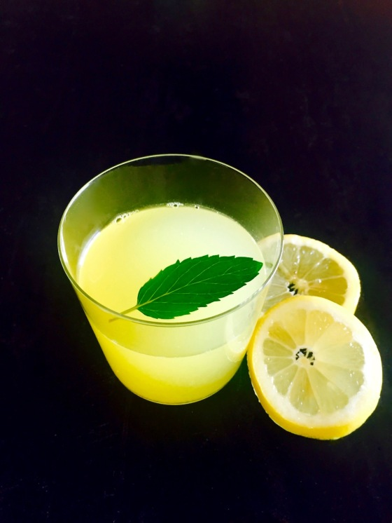 lemon mint wellness tonic